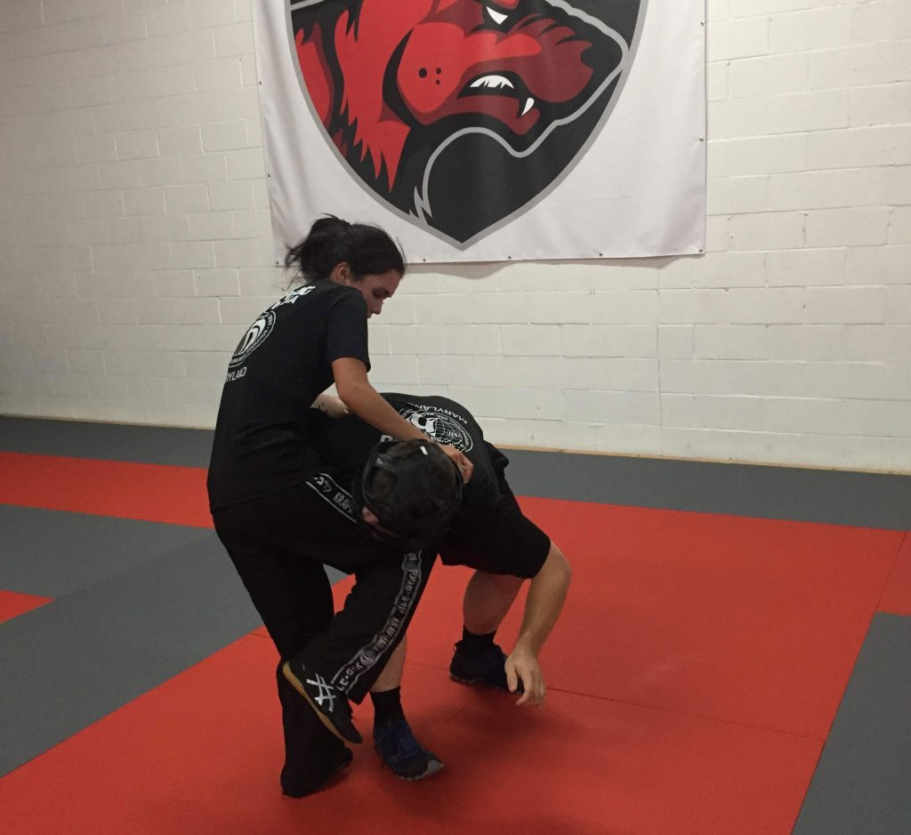 control position knee to the groin